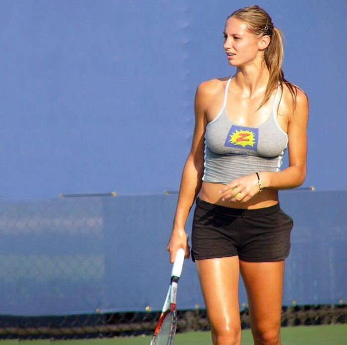 <b>Vojislava Lukic</b>, Serbia: Born and raised in Subotica (now Serbia, former SFR Yugoslavia), she achieved her highest career ranking as No. 203 in singles on August 20, 2007, and No. 223 in doubles on October 8, 2008. As of April 6, 2009, Lukic is ranked No. 1093 in singles and No. 594 in doubles. Lukic won three three ITF singles titles in 2006, all in Romania - in Pitesti, Medias and Bucharest. She also played for Serbia Fed Cup team in 2007, alongside Jelena Jankovic, Ana Jovanovic and Ana Timotic.