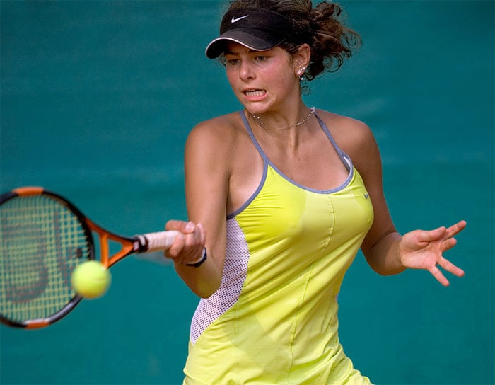 <b>Julia Goerges</b>, Germany: She qualified for the main draw at the 2007 US Open and lost 6-0, 6-3 to number one Justine Henin in the first round. Görges reached a career high singles ranking of World Number 67 on 1 February 2010, and as of that date has reached World Number 303 for doubles, on 18 February, 2008. She has not won a WTA title, but has won 4 ITF singles titles, and 3 ITF doubles titles.