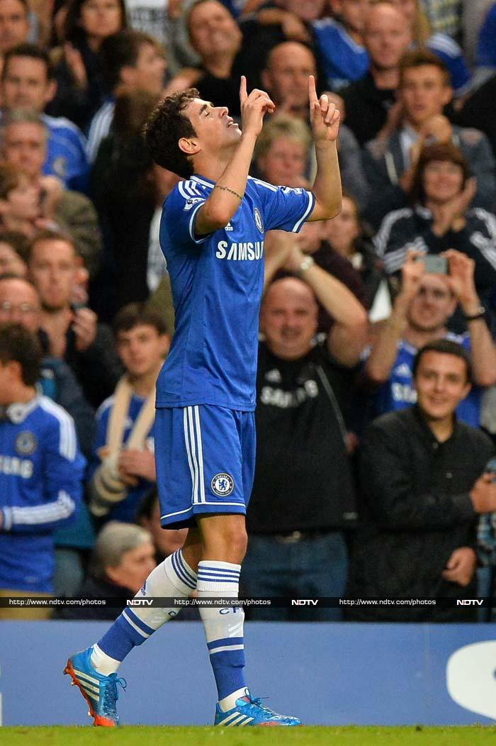 Chelsea go to top of the table while Liverpool taste defeat