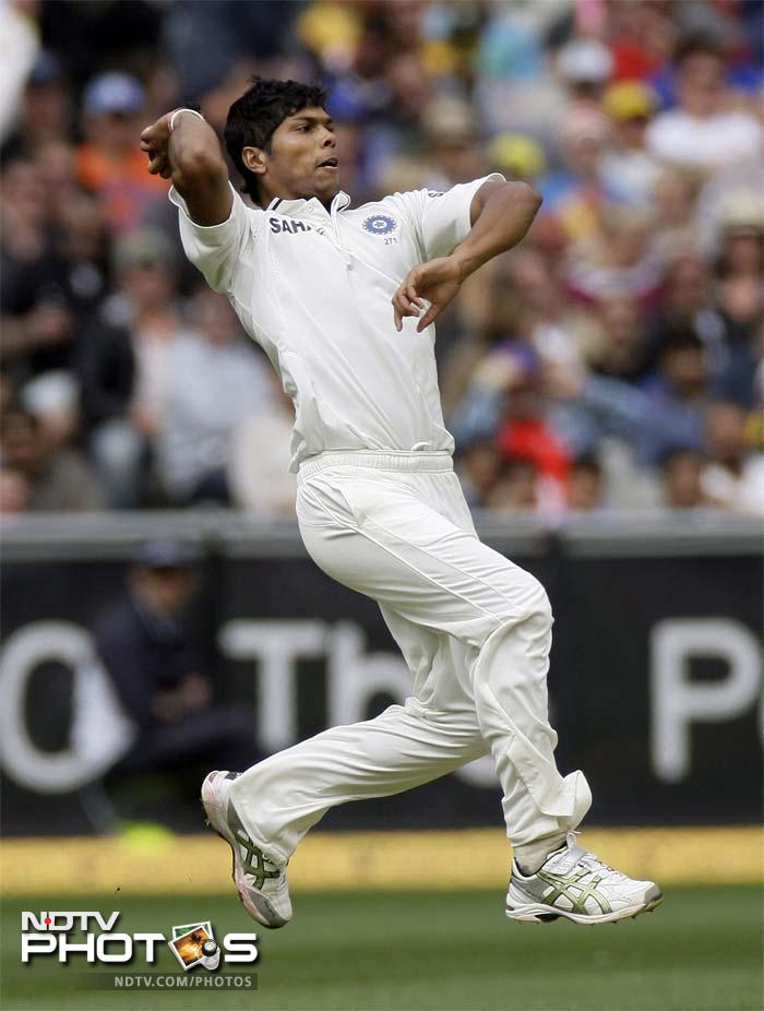 <b>Toothless bowling:</b> Umesh Yadav impressed at Melbourne while Zaheer Khan looked at his best when he picked up three early wickets to put Australia at 37/3 in the first innings. However, that's where it all came to a stop. Indian bowlers managed to take only one Australian wicket thereafter while conceding 622 runs. They had no answer to Clarke, Hussey and Ponting's willow power.