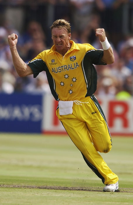 <b>Andy Bichel 7/20 Australia vs England, 2003 World Cup</b><br><br> English openers Nick Knight and Marcus Trescothick had given early hope to their fans as they could achieve what no one else could in the tournament till then - get through the initial burst from the express Lee and ever consistent McGrath. And they did it with some flamboyance by scoring at will.<br><br> In came Andy Bichel as first change and even before England could realise what had happened, he ripped through the entire order to finish with then World Cup record figures of 7/20.