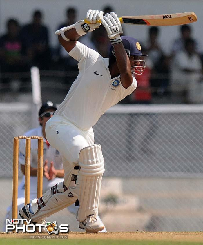 Abhinav Mukund came up with a brilliant counter-attack scoring 73 runs off 83 balls. His innings included 16 fours.