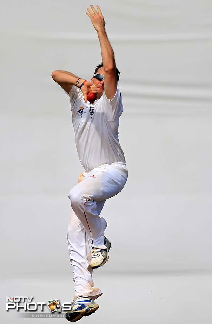 Graeme Swann showed why England is banking heavily on him on the spin-friendly Indian pitches as he picked up three important wickets.