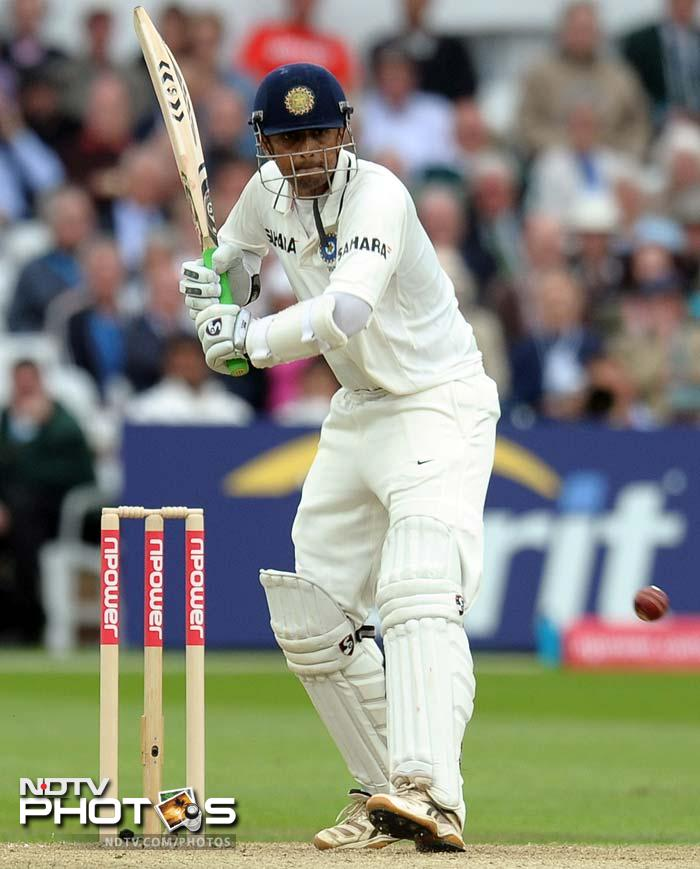 Rahul Dravid, who opened the innings in the absence of the injured Gautam Gambhir, played defiantly and is unbeaten on 7 off 38 balls.