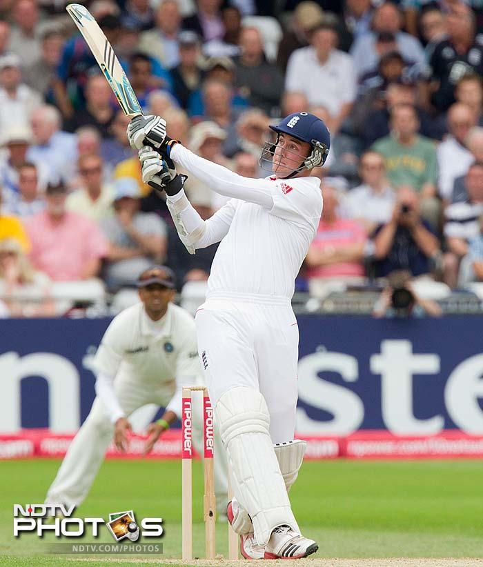 However, just when all looked lost for the hosts, Stuart Broad combined with Graeme Swann to revive England.