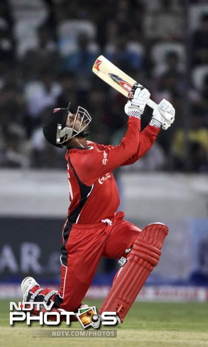 Denesh Ramdin departed on 18 as Trinidad lost 4 wickets at the cost of just 56 runs in 9.3 overs. (AP Photo)