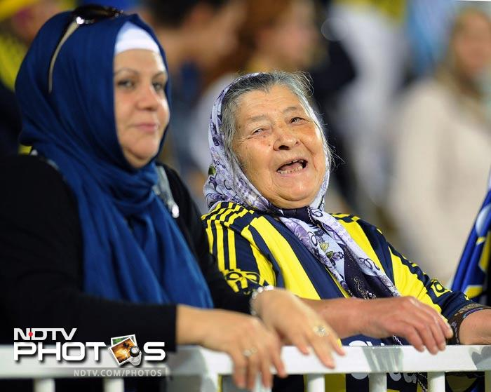 Women of all ages flocked the stadium as Fenerbahce took on Manisapor.
