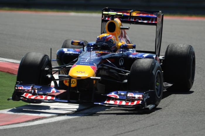 Red Bull Racing's Australian driver Mark Webber drives at Istanbul Park in Istanbul during the qualifying session of the Turkish Formula One Grand Prix. (AFP Photo)