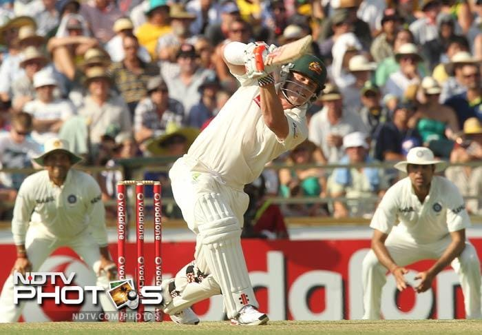 <b>Shashi Tharoor on Warner</b><br><br> At least got to see a great Sehwag innings, except that it was played by David Warner!