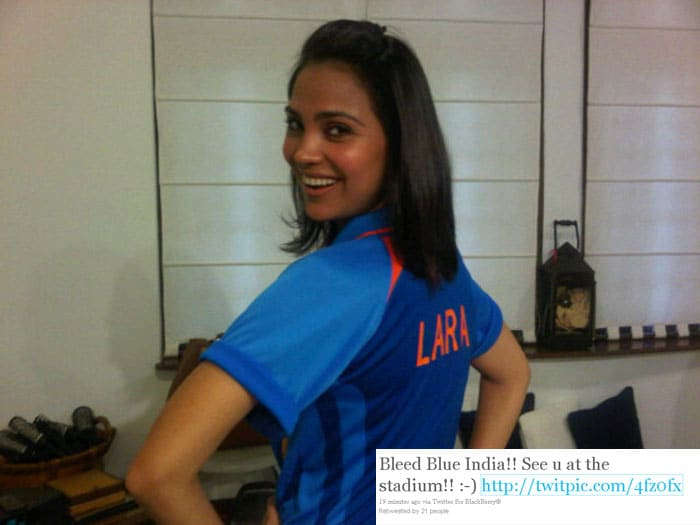 Lara Dutta has posted this picture on her twitter page with tweet: Bleed Blue India!! See u at the stadium!! :-)