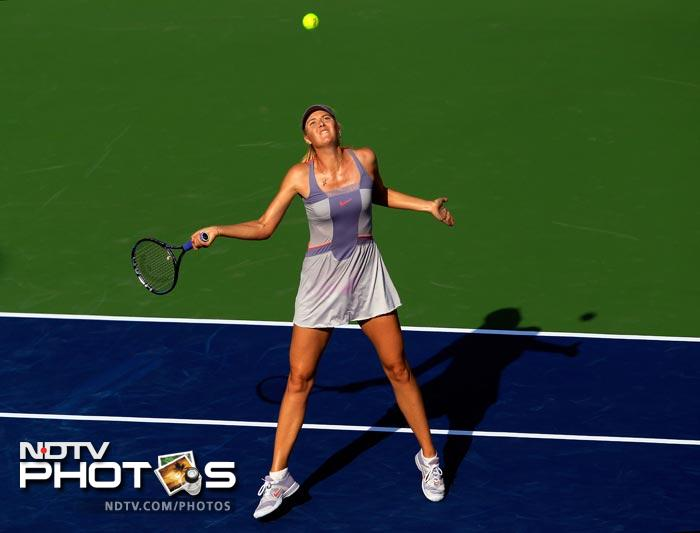 <b>Desperate:</b> Back to Maria. She tries hard to salvage the match against Pennetta, only to fail eventually.