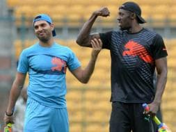 Usain Bolt Charms India, Shows Off Cricketing Skills