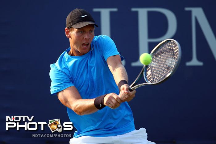 Czech player Tomas Berdych too cruised into the third round with a runaway victory over Jurgen Zopp.