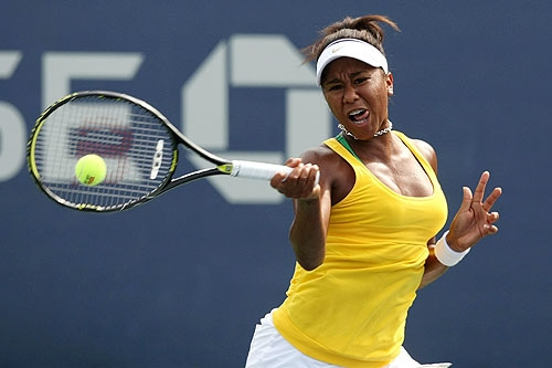 Noel Scott of the United States returns a shot during her juniors match against Zsofia Susanyi of Hungary during day eight of the 2009 US Open at the USTA Billie Jean King National Tennis Center on Monday in the Flushing neighborhood of the Queens borough of New York City. (AFP Photo)