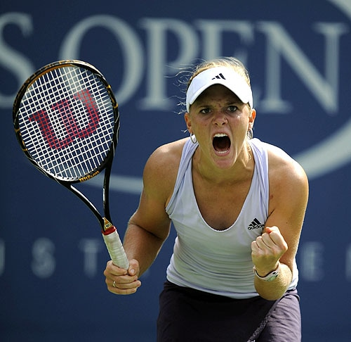 Melanie Oudin of the US reacts against Nadia Petrova from Russia during day eight of the 2009 US Open at the USTA Billie Jean King National Tennis Center on Monday in the Flushing neighborhood of the Queens borough of New York City. (AFP Photo)