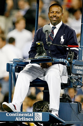Chair umpire Carlos Bernardes officiates Rafael Nadal vs Gael Monfils of France during day nine of the 2009 US Open at the USTA Billie Jean King National Tennis Center on Tuesday in the Flushing neighborhood of the Queens borough of New York City. (AFP Photo)