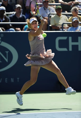 Caroline Wozniacki of Denmark returns a shot to Petra Martic of Croatia during their 2nd round US Open match at the USTA Billie Jean King National Tennis Center September 3, 2009 in New York. Safina won, 6-7, 6-2, 6-3. (AFP Photo)