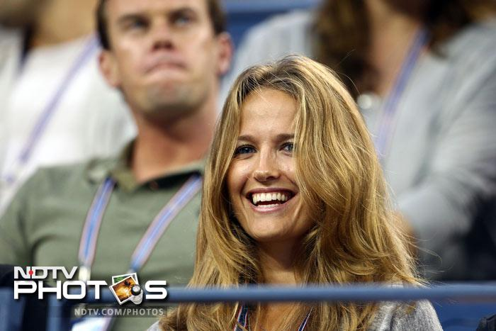 <b>WAG of the day: </b>Kim Sears watches as her boyfriend Andy Murray of Great Britain plays against Feliciano Lopez of Spain. (AFP Photo)