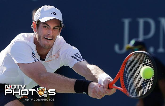 Britain's Andy Murray returns a shot to Alex Bogomolov Jr. of Russia, at the 2012 US Open in New York. (AP Photo)