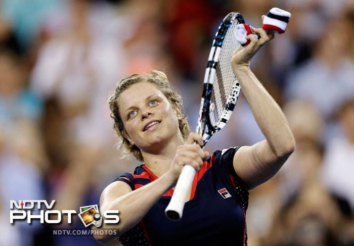Kim Clijsters thanks the crowd after defeating Victoria Duval 6-3, 6-1 in the first round of play at the US Open in New York. (AP Photo)