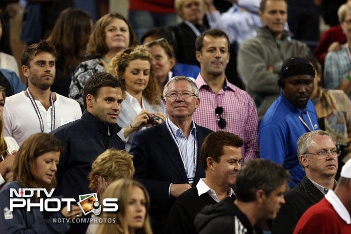 Sir Alex Ferguson, manager of Manchester United smiles following Andy Murray of Great Britain's victory in men's singles final match of the 2012 US Open against Novak Djokovic at USTA Billie Jean King National Tennis Center in the Flushing neighborhood of the Queens borough of New York City. (AFP Photo)