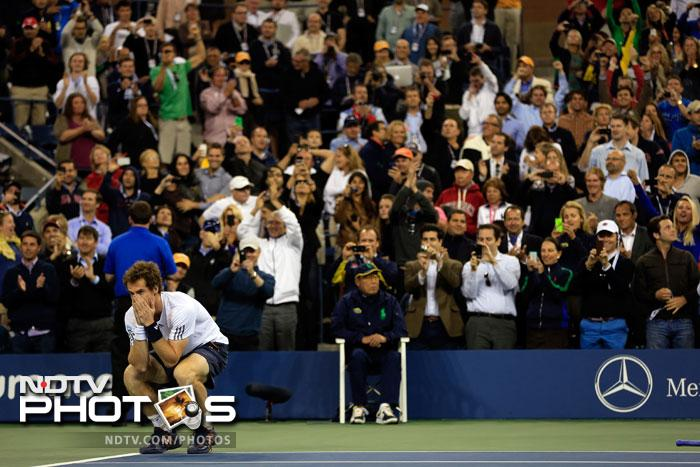Andy Murray celebrates after defeating Novak Djokovic. (AFP Photo)