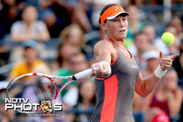 Samantha Stosur killed the giant killer as she ended Laura Robson's run in the tournament taking both the sets 6-4.