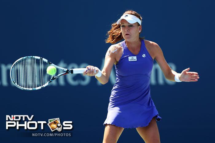 Agnieszka Radwanska was all over Nina Bratchikova as the former handed the latter a 6-1, 6-1 defeat.