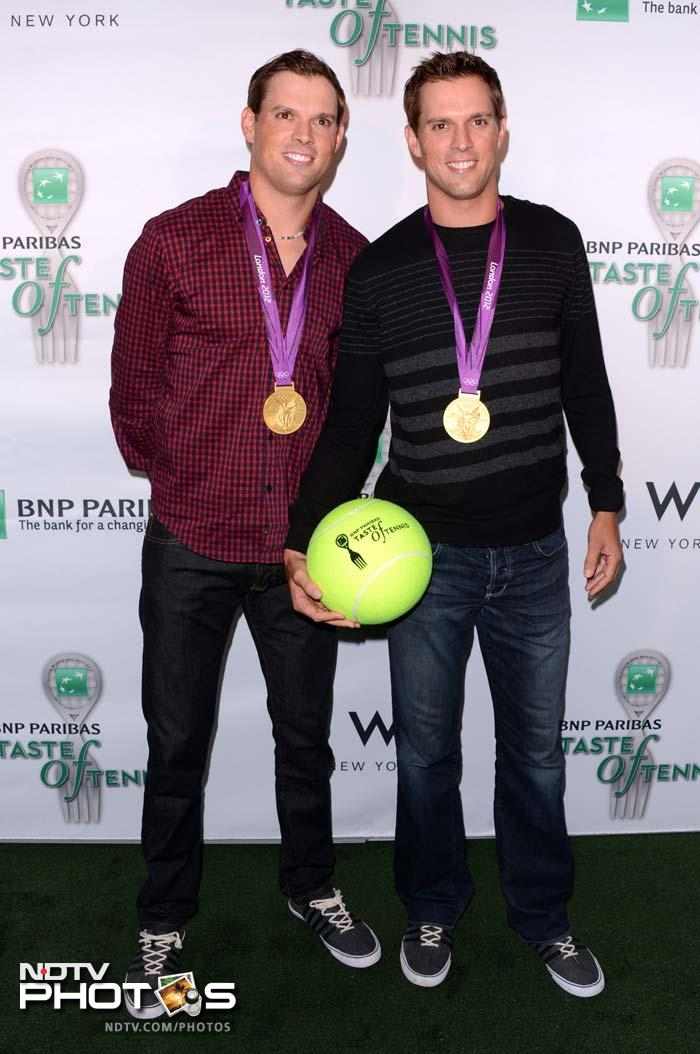 US Olympic Gold Medalists Bob and Mike Bryan like most have never seen them. Do not miss their medal.