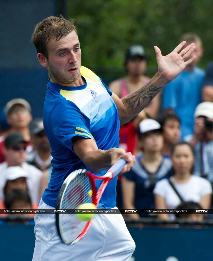 Daniel Evans, making his debut after coming through qualifying, swept past Japanese 11th seed Kei Nishikori, 6-4, 6-4, 6-2.