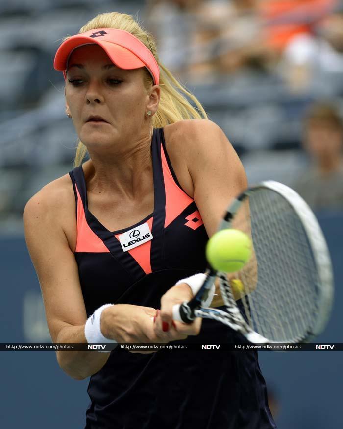 Agnieszka Radwanska eased past Silvia Soler-Espinosa 6-1, 6-2.