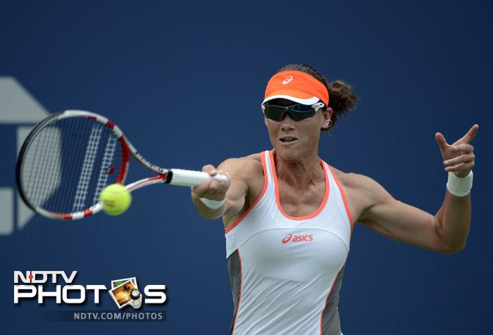 Samantha Stosur wasn't going to use up valuable energy in the early stages and she proved it in her effortless 6-3, 6-0 win over Edina Gallovits-Hall.