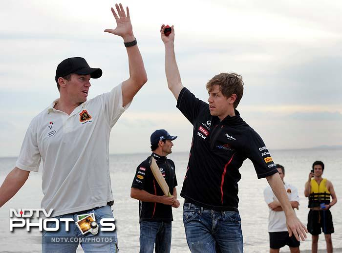 Australia pacer Peter Siddle was seen giving bowling tips to Vettel.