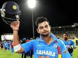 India's qualification hopes alive as Kohli dismantles Sri Lanka