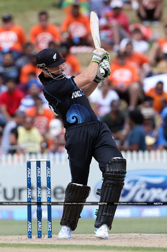 Martin Guptill steadied the ship with a fluent 44.