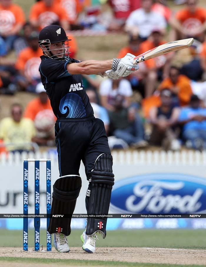 Kane Williamson played the anchor role as he stroked a beautiful 77.