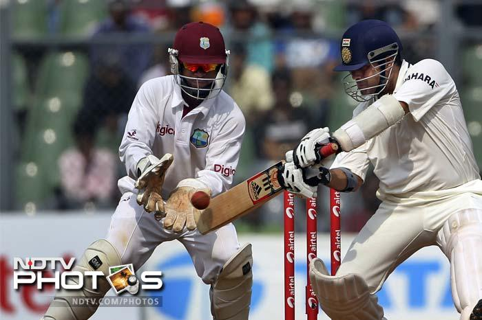 The two put on 86 runs for the third wicket as Sachin went on to complete his half-century, a sign of greater things to come.