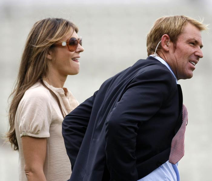 Australian blogs and news sites were awash with chatter about Warne's look after new photographs surfaced showing the noticeably slimmer star, who said he had lost 12 kilograms (26 pounds) in two months on a new diet plan.