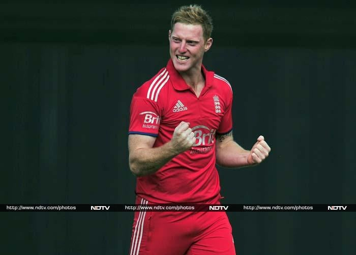 Watson (143) and Michael Clarke (75) put on 163 runs for the 4th wicket as Australia were bowled out for 298. Ben Stokes finished with 5/61, doing his Ashes chances no harm whatsoever.