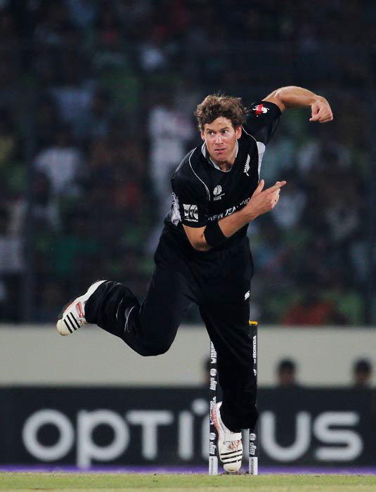 Jacob Oram bowls during the 2011 ICC World Cup quarter final match between New Zealand and South Africa at the Sher-e-Bangla National Stadium in Dhaka. (Getty Images)