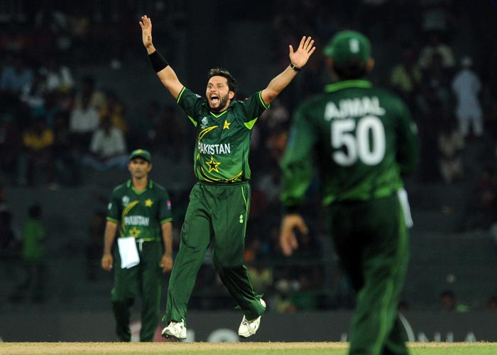 Shahid Afridi celebrates after he dismissed Ashish Bagai during the Group A match in the ICC World Cup 2011 between Pakistan and Canada at the R. Premadasa Stadium in Colombo. (AFP Photo)