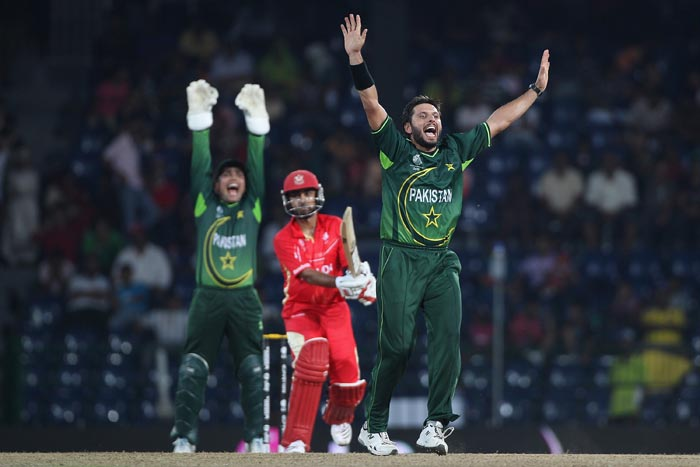 Shahid Afridi (R) of Pakistan appeals successfully for the lbw wicket of Ashish Bagai during the Canada v Pakistan 2011 ICC World Cup Group A match at the R. Premadasa Stadium in Colombo. (Getty Images)