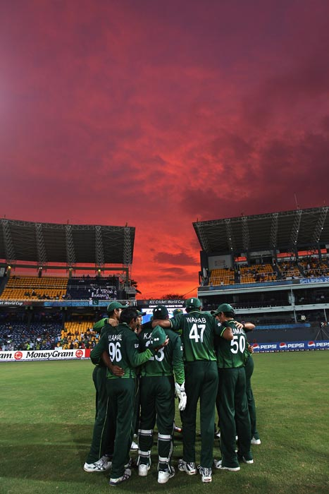 The Pakistan team gather in a huddle during the Canada vs Pakistan 2011 ICC World Cup Group A match at the R. Premadasa Stadium in Colombo. (Getty Images)