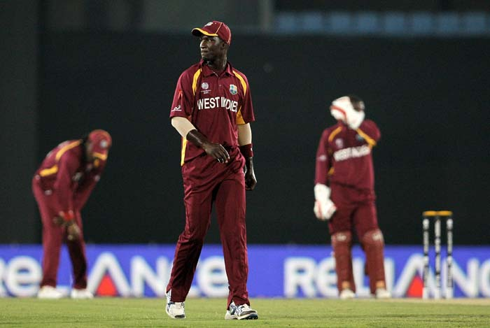 Darren Sammy fielding against Pakistan during the first quarter-final match of the ICC World Cup between Pakistan and West Indies at the Sher-e-Bangla National Stadium in Dhaka. (Getty Images)