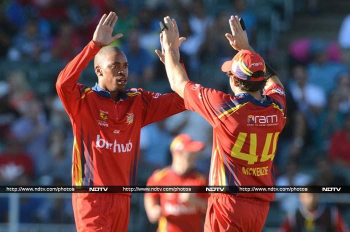 Aaron Phangiso (Highveld Lions) was economical and a wicket-taker as he had 10 wickets in 6 games at 5.36 runs per over with best figures of 3/14.