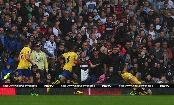 Arsenal, Liverpool record victories