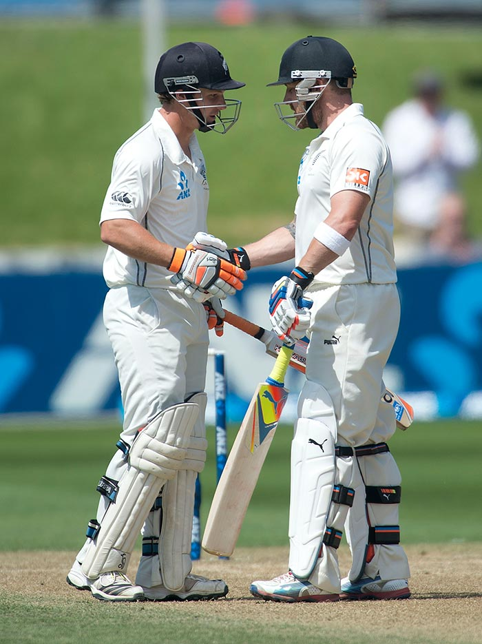 Brendon McCullum and BJ Watling continued their marathon partnership as they kept the Indian bowlers at bay for three sessions continuously.