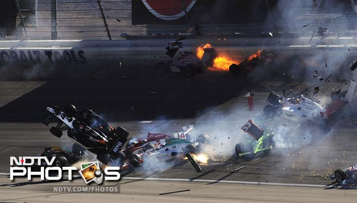 Two-time Indianapolis 500 winner Dan Wheldon died on Sunday after his car was catapulted into the air in a fiery, 15-car crash at the Las Vegas 300 IndyCar series finale.<br><br>The 33-year-old Englishman died from injuries he received after he became caught up in the grisly pile-up, his car spinning into the catch fencing around the track.