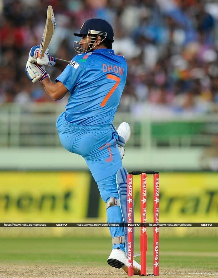 Skipper MS Dhoni was responsible for the late surge. He scored 51 off 40 to propel India's innings.
