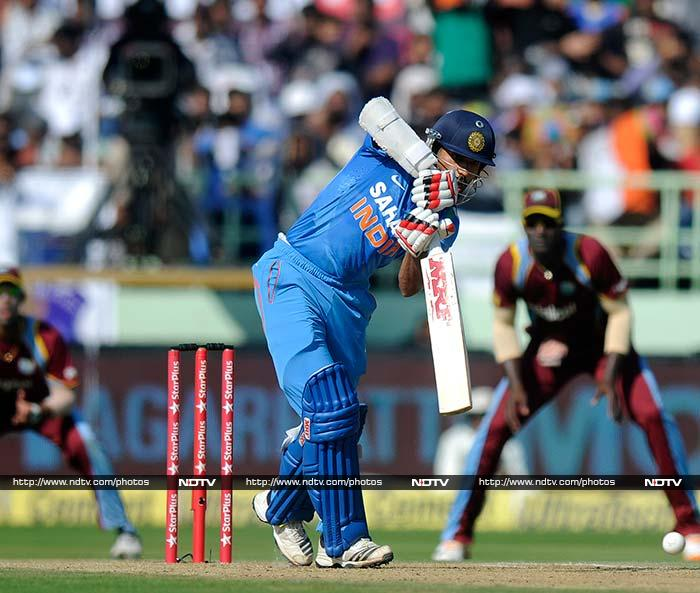 Shikhar Dhawan consolidated the innings from his end and scored 35 off 37.